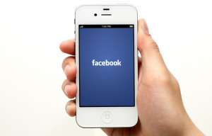 iPhone 4S Facebook