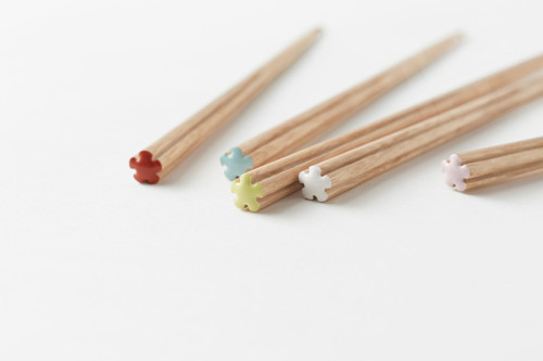 nendo × 箸蔵まつかん hanataba