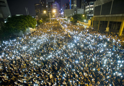 Hong Kong protesters refuse to leave
