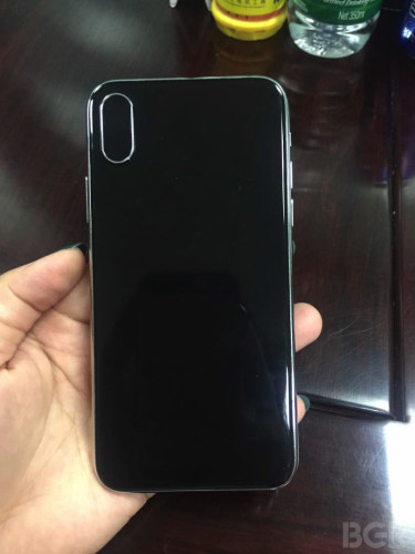 次期iPhoneのモックアップ写真がリーク