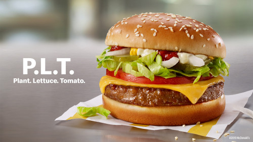 マクドナルド、植物由来の人工肉を使ったハンバーガー『P.L.T. Burger』を発売